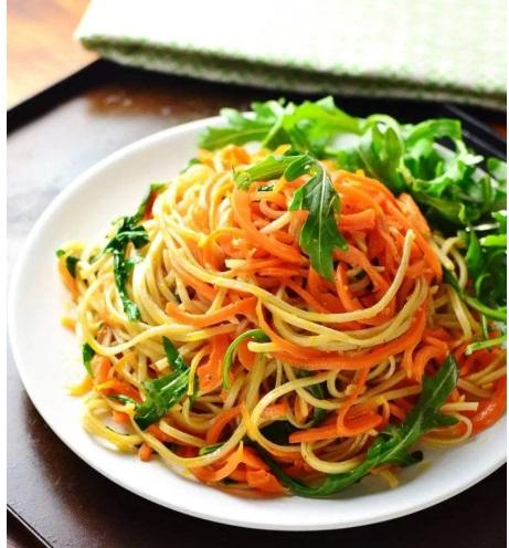 noodles din morcovi